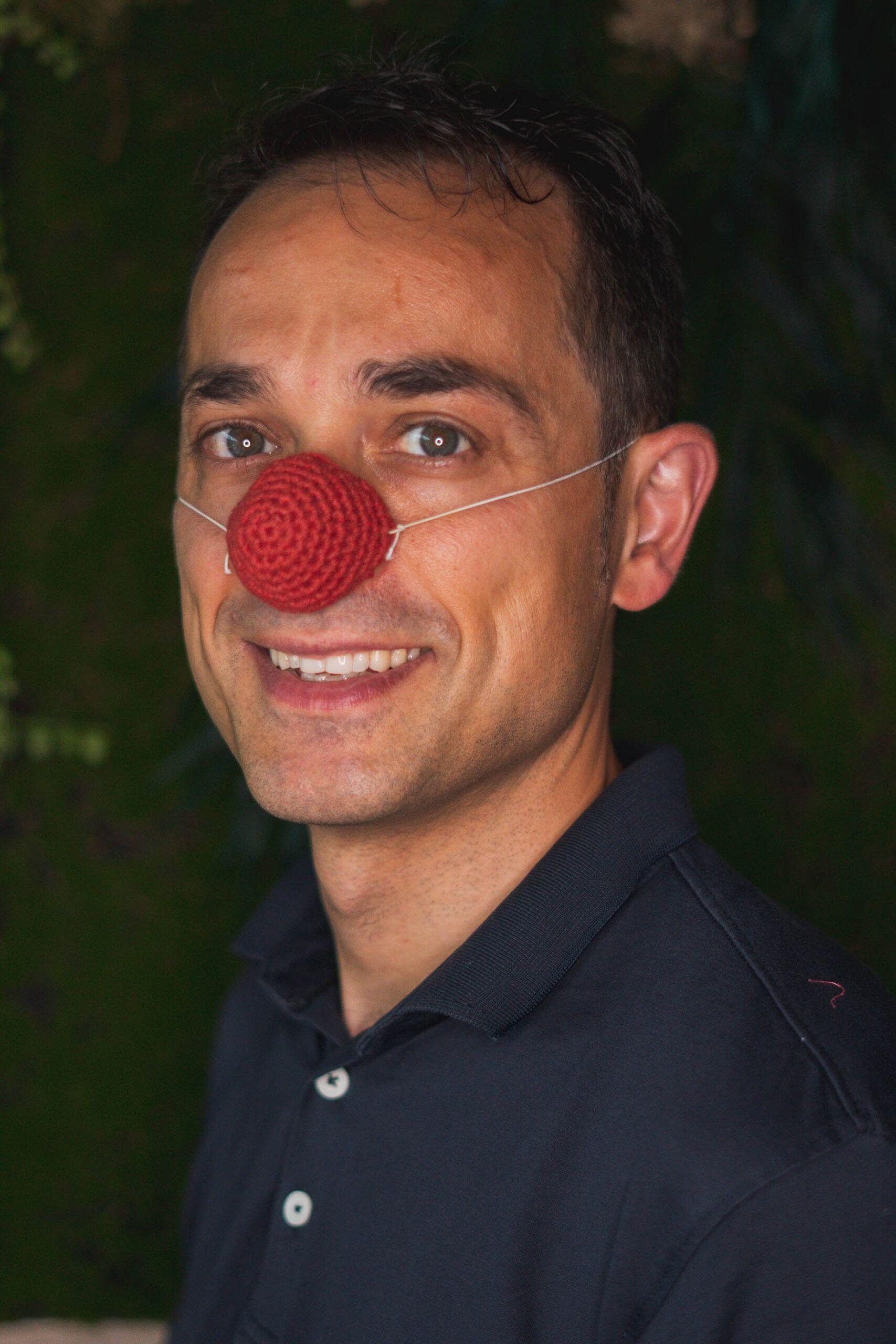 El equilibrista _ Narices de clown artesanales
